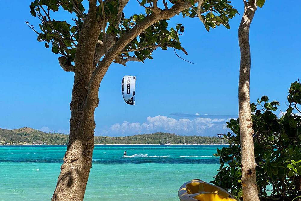 coconut-beach-resort-activities-kite-surfing