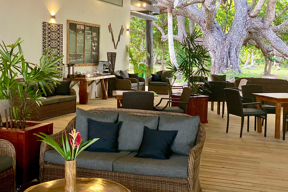 coconut-beach-resort-grounds-meals-03