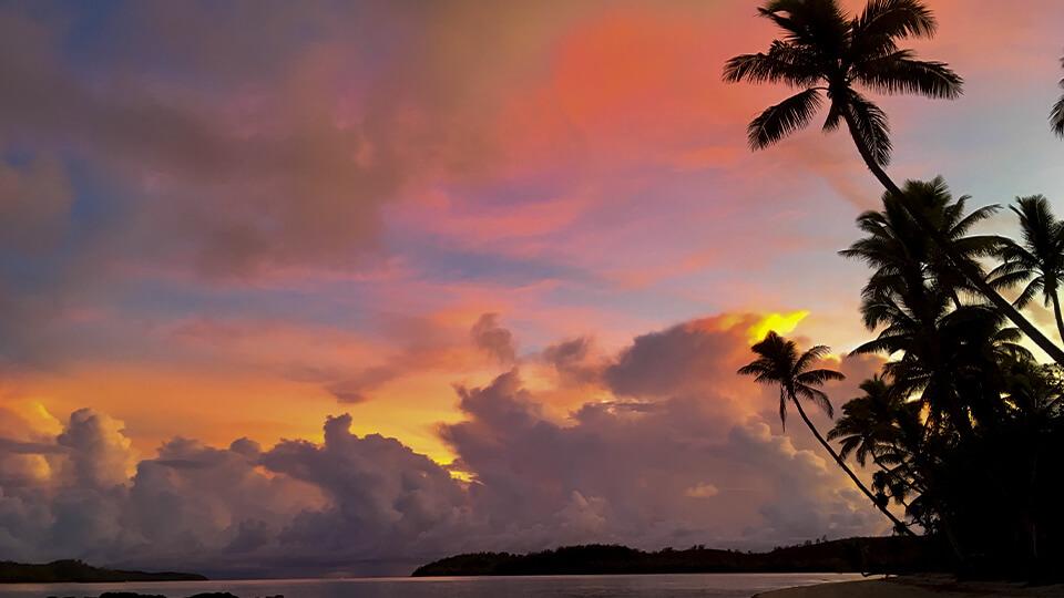 coconut-beach-resort-sunsets-in-fiji