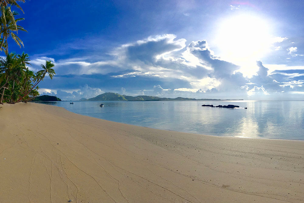 coconut-beach-resort-beach-days