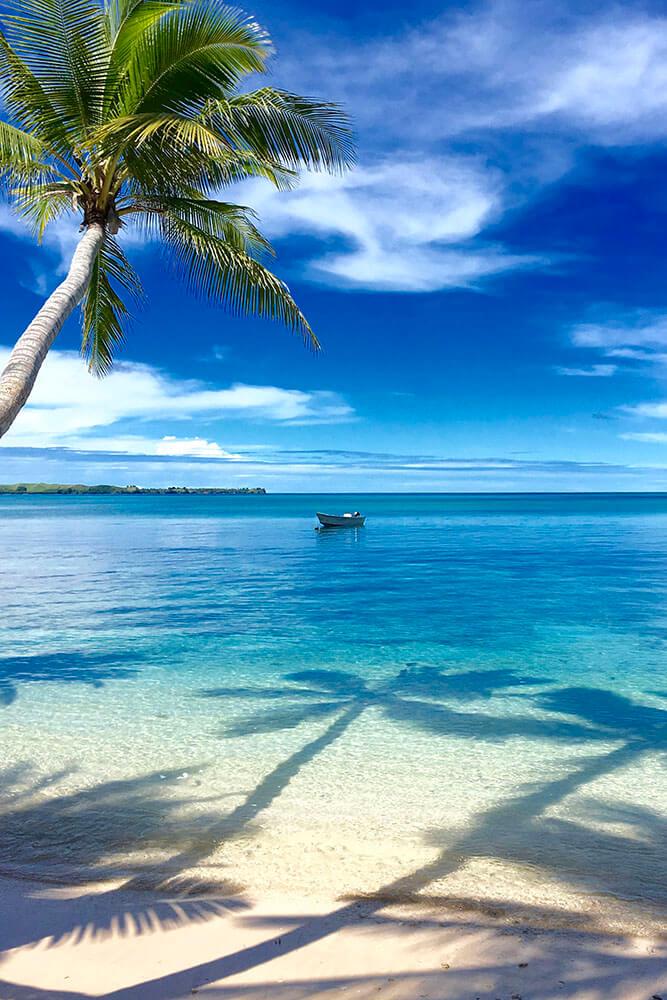 coconut-beach-resort-beach-daytime-boating