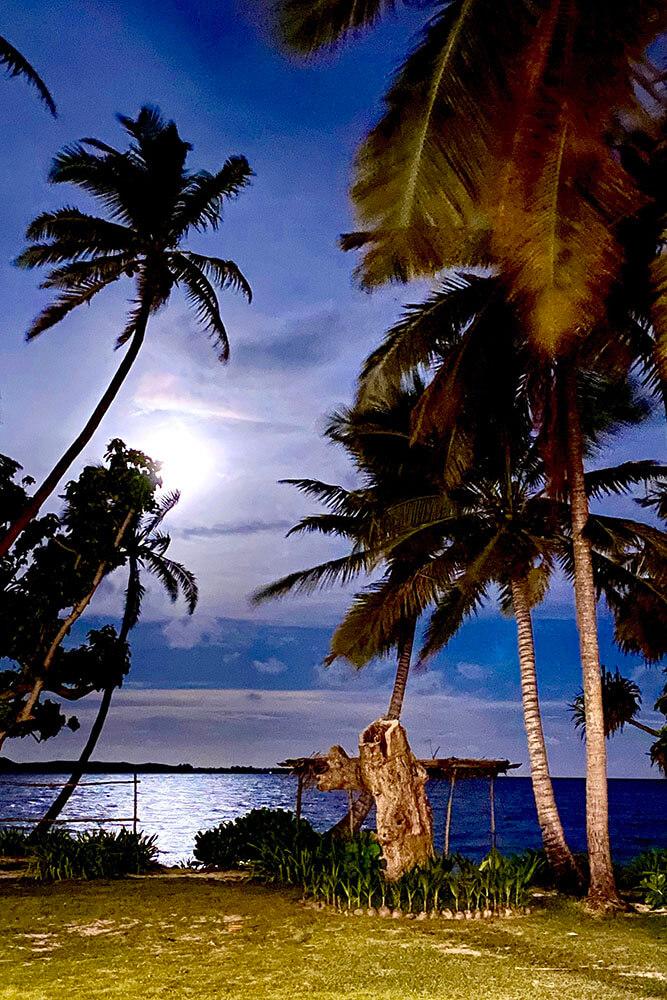 coconut-beach-resort-beach-moon-rising