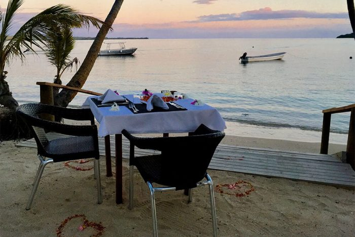 coconut-beach-resort-dinner