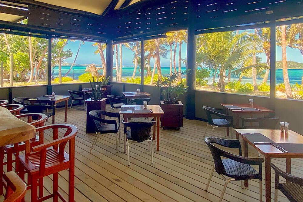 coconut-beach-resort-grounds-meals-02