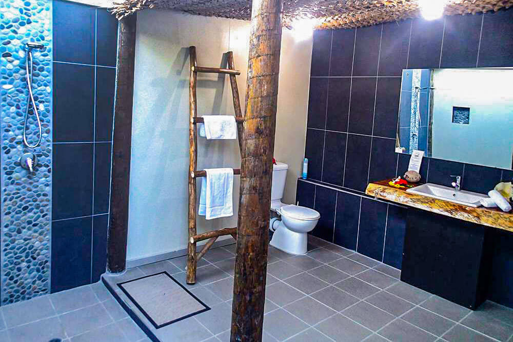 coconut-beach-resort-rooms-bathroom