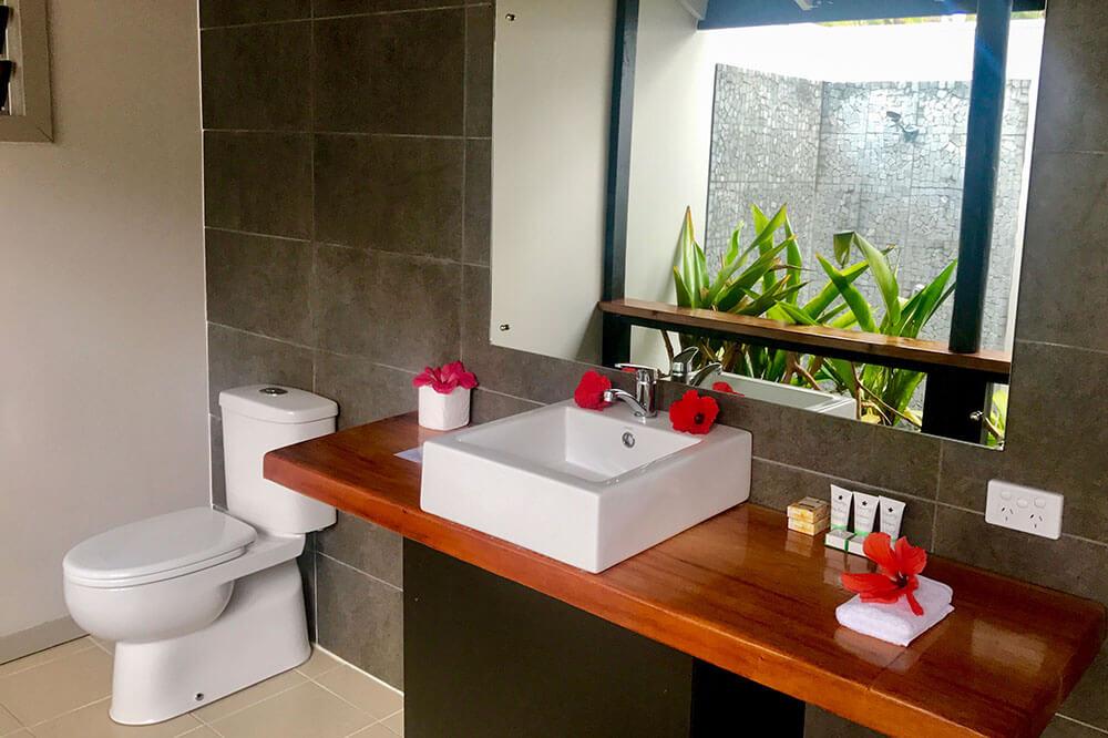 coconut-beach-resort-rooms-bathrooms