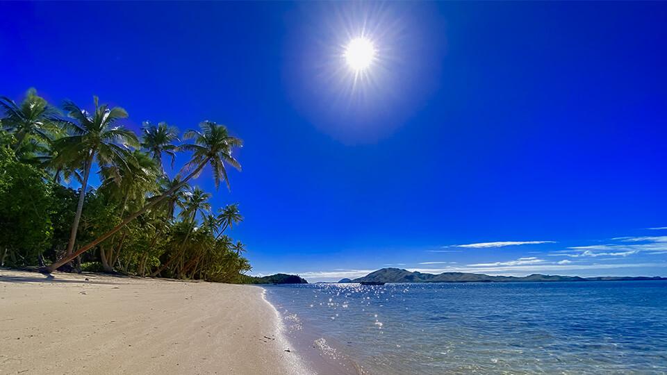 coconut-beach-resort-sunshine-on-the-beach